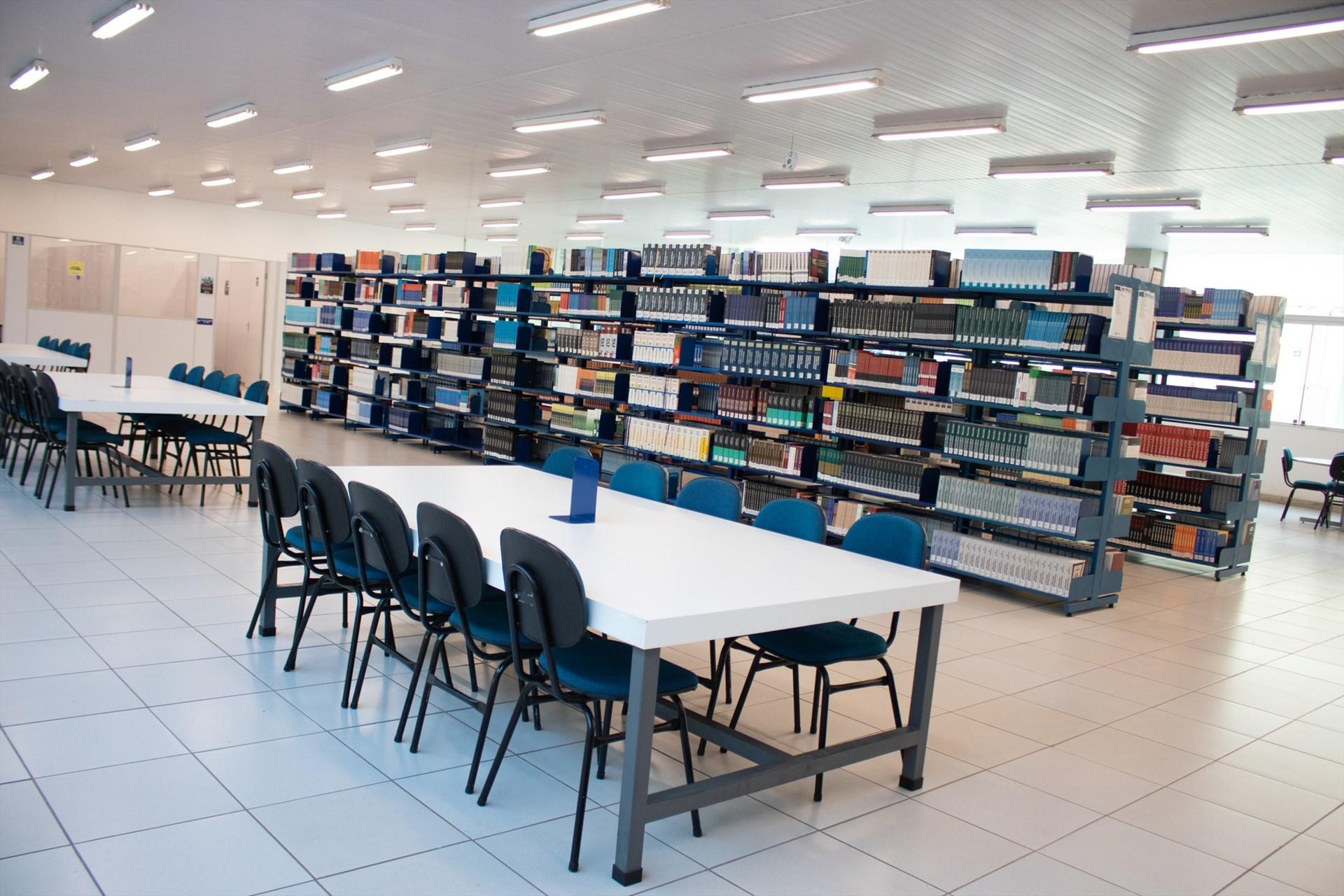 Biblioteca - Interior 1